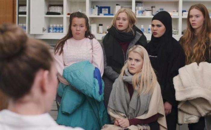 Hur mycket minns du från säsong ett av Skam?